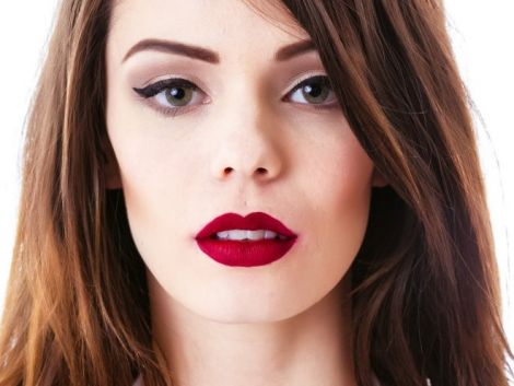 Матова помада - популярний тренд у макіяжі