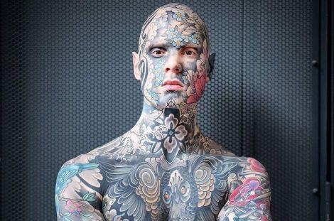 Татуюваннями вкрите все тіло Сильвіана