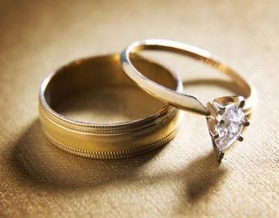 Драгоценные кольца с бриллиантом