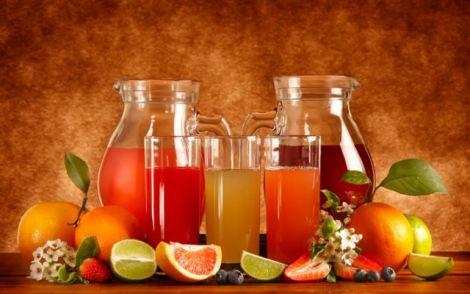 Чому не варто зловживати фруктовими соками?