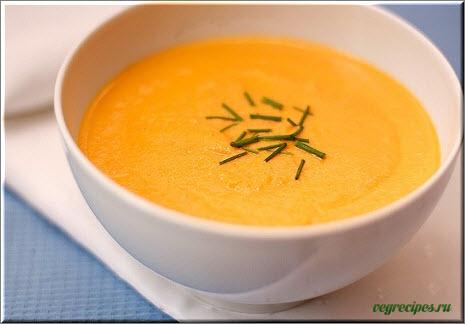 Домашній дієтичний морквяний суп