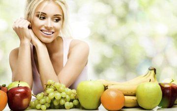 Свіжі фрукти і овочі