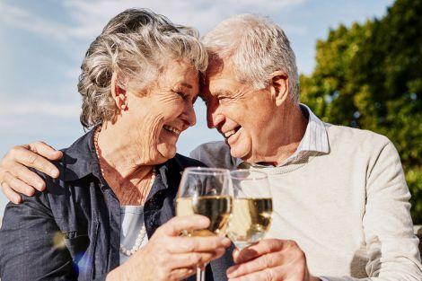 Алкоголь корисний для людей похилого віку