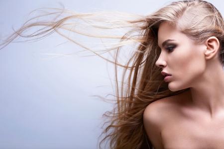 Позбутися від електризації волосся допоможуть спеціальні маски