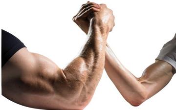 у мускулистих татусів народжуються мускулисті діти