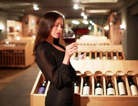 Келих вина - незамінний атрибут французької дієти