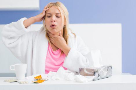 Сухий кашель - один із симптомів трахеїту