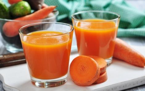 Чому потрібно пити сік з моркви щодня