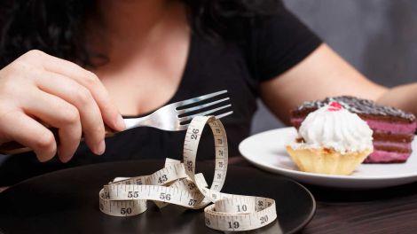 Які способи боротьби з переїданням через стрес?