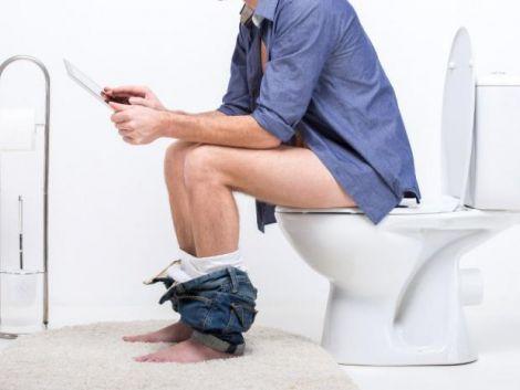 У вбиральню краще не брати з собою телефон