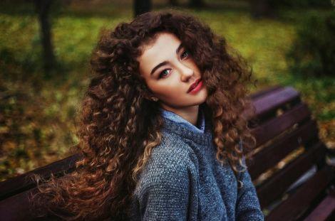 Догляд за кучерявим волоссям