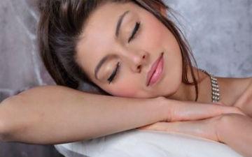 Користь сну без одягу
