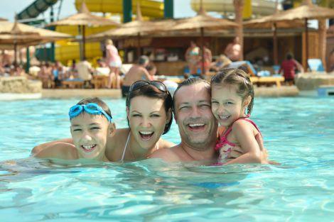 Якою хворобою можна заразитись в аквапарку?