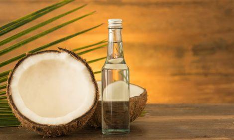 Кокосова олія здатна вирішити проблему випадіння волосся