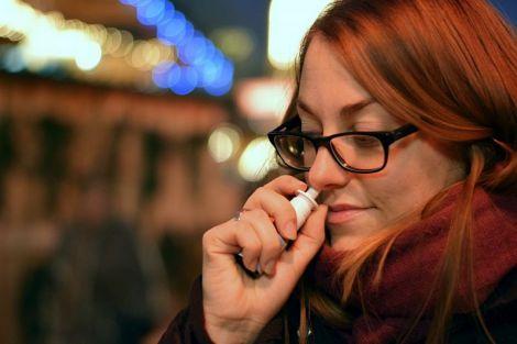 Вчені з'ясували, що назальний спрей може на 80% захистити від коронавірусу