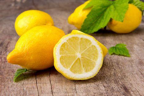Вживати лимони треба обрежно