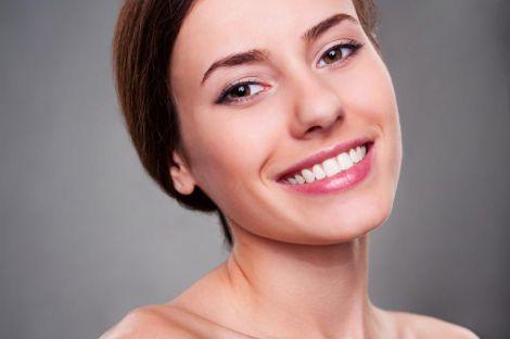 Білосніжна посмішка