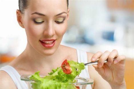 Чому виникає сильний апетит