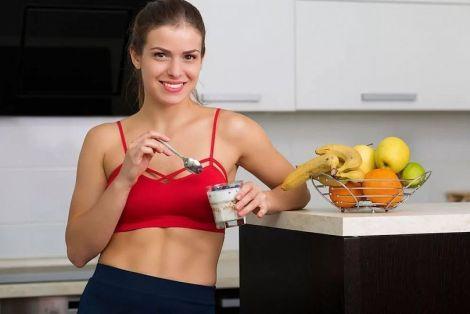 Як харчуватись, щоб мати плоский живіт?