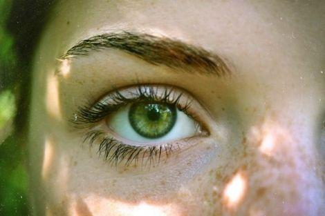 Від чого печуть очі?