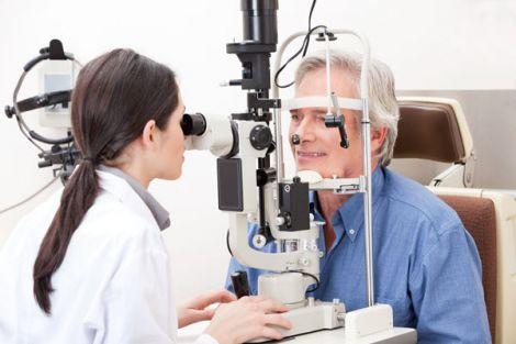 Офтальмолог чи оптометрист?