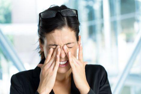 Про які хвороби свідчить біль в очах?