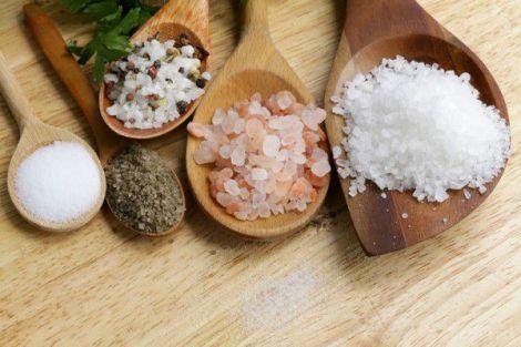 Відмова від солі допоможе схуднути