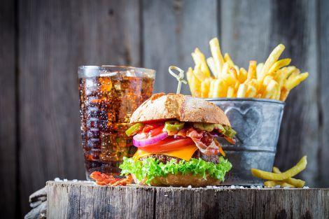 Які харчові звички сприяють набору ваги?