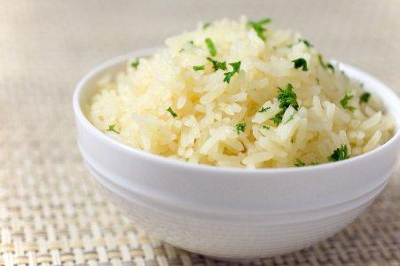 Рис допомагає від відкладення солей