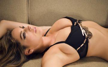 Щоб зробити груди красивими та підтягнутими, необхідно займатися спортом