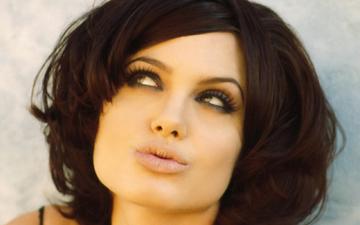 найкращі зачіски для квадратної форми обличчя