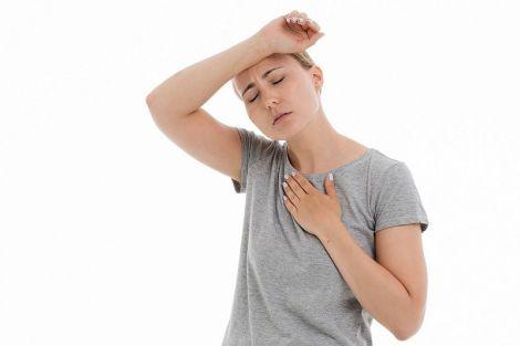 Вісім ранніх ознак інфаркту у жінок