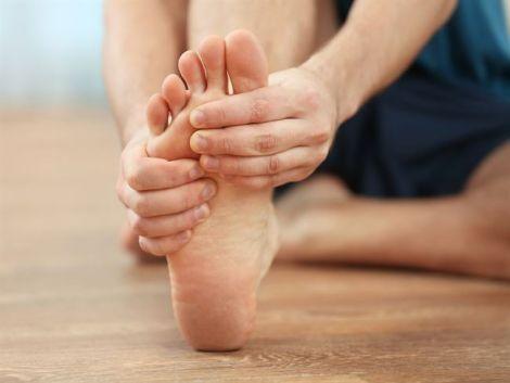 Біль у ногах найчастіше може виникати ввечері
