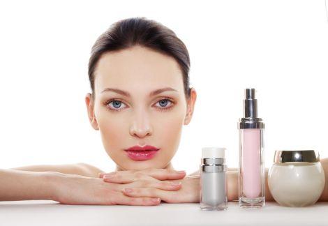 Шкіра обличчя потребує ретельного догляду перед сном