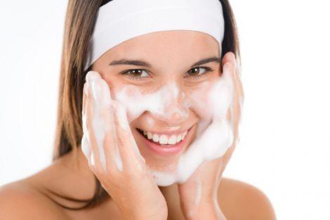 Догляд за шкірою у підлітковому віці