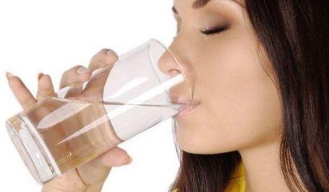 Пити багато води у спеку шкідливо