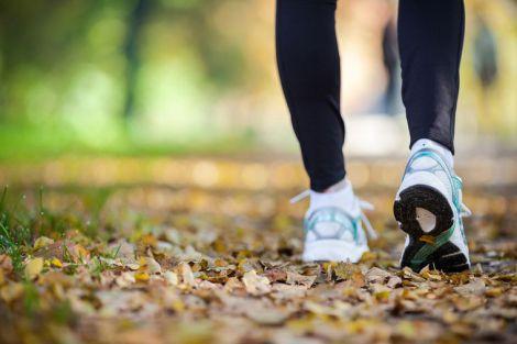 Чому корисно ходити 15 хвилин на день?