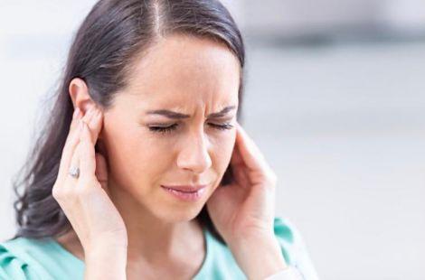 Шум у вухах: причини появи і про яку небезпеку попереджає