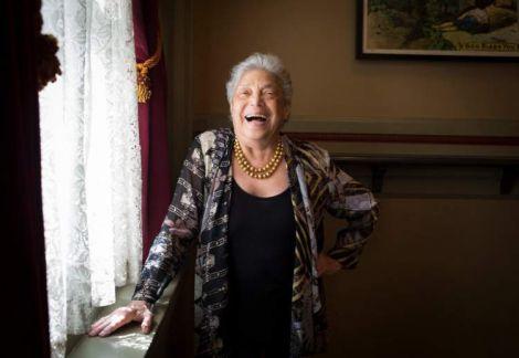 Чому самотні жінки живуть довше?