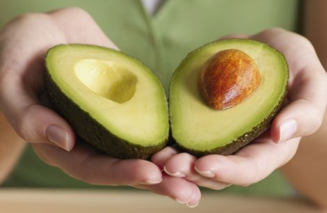 Користь авокадо для жіночої шкіри