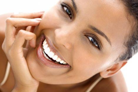 Очищуємо зуби від каменю в домашніх умовах