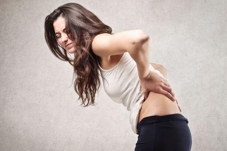 Куріння провокує біль у спині