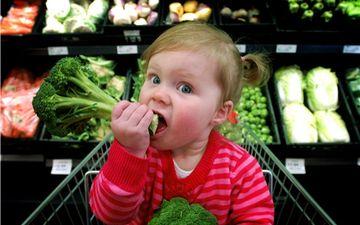 Чому діти не їдять овочі і що робити?
