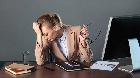П'ять шкідливих звичок, які руйнують мозок назвали експерти