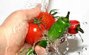 Добре вимивайте їжу перед приготуванням