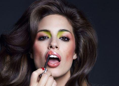 Поширені помилки у макіяжі, які додають віку
