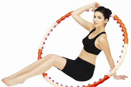 Також обруч не тільки допоможе вам схуднути, але й підтягне обвислу шкіру