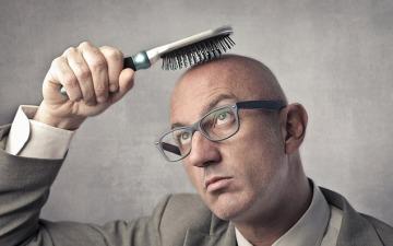 Чоловіки болісно переживають ранню втрату волосся