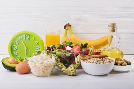 Чи можна схуднути на восьмигодинній дієті?