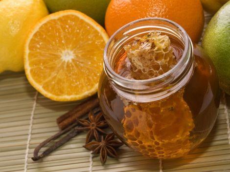 Чому варто замінити цукор на мед?